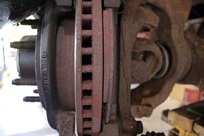 The inner brake pad was still in place, albeit quite damaged.