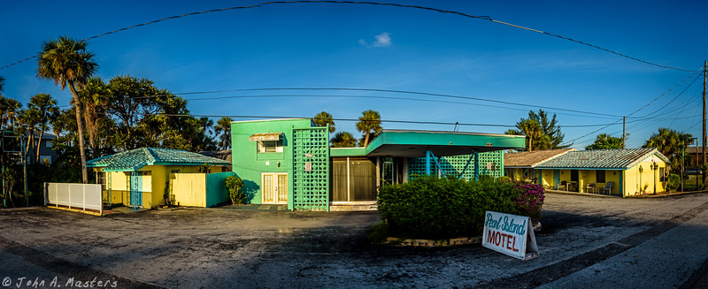 Front of Pearl Island Motel in Grant, Florida
