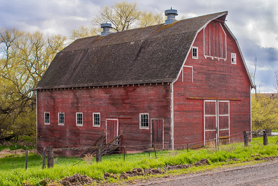 Lonely Old Red Barn