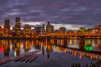 Hawthorne Bridge at dusk