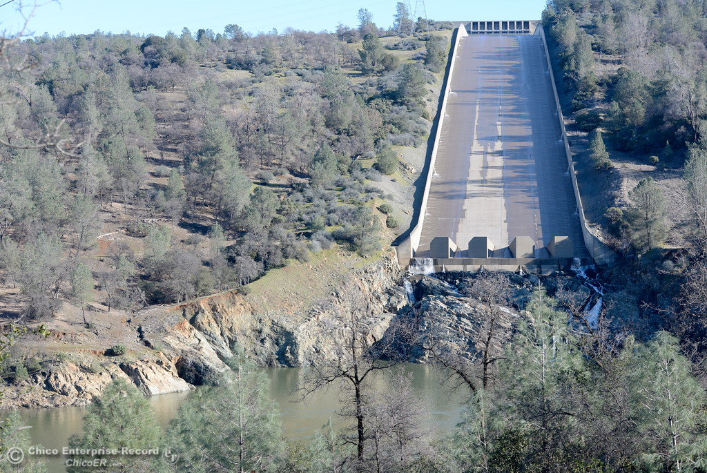 . The controlled spillway is seen with very little water flowing Friday Jan. 27, 2017. (Bill Husa -- Enterprise-Record)