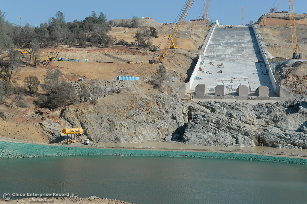 . Construction continues at the Lake Oroville Dam Spillway Wed. Nov. 1, 2017. Today is the deadline that was set months ago for DWR to have the spillway ready if needed. (Bill Husa -- Enterprise-Record)