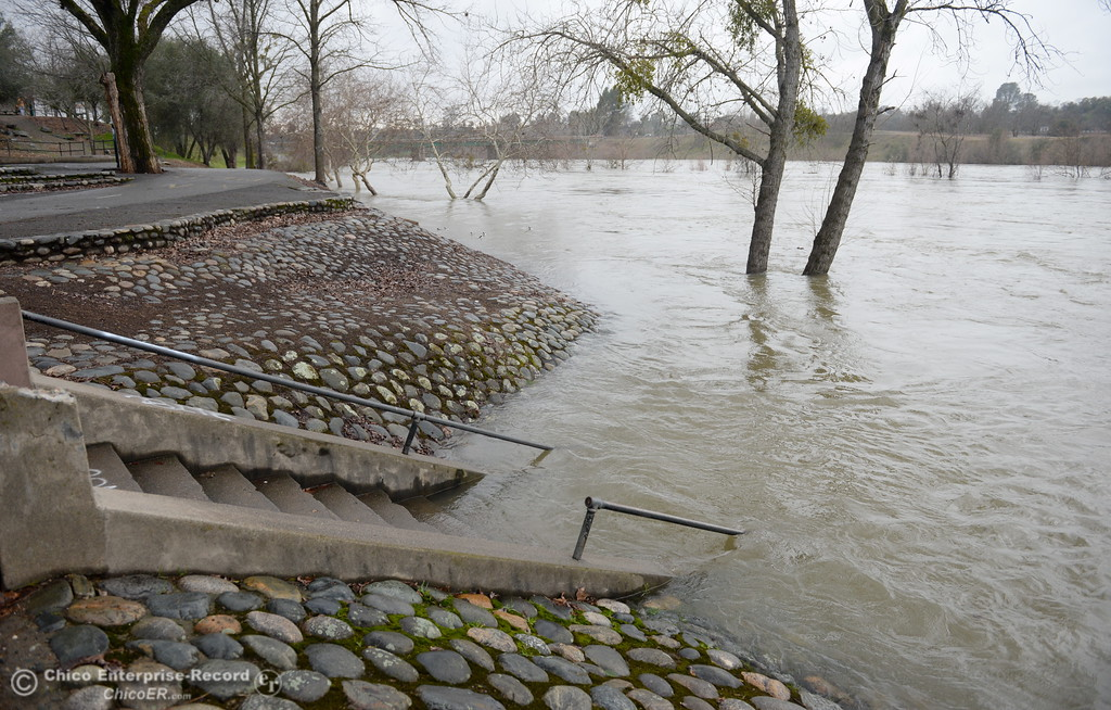 . Riverbend and Bedrock Parks in Oroville, Calif. are closed due to rising water in the Feather River after more water was released from the controlled spillway at Lake Oroville Mon. Feb. 6, 2017.  (Bill Husa -- Enterprise-Record)