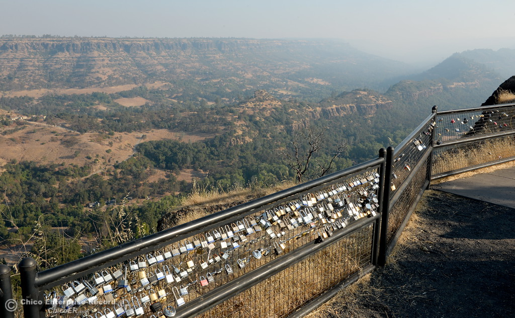 . Visibility is limited looking up Butte Creek Canyon from Lookout Point on Skyway Thursday morning Aug. 31, 2017. Air quality is poor due to fires burning around northern California.(Bill Husa -- Enterprise-Record)
