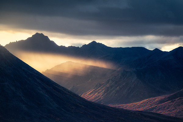 An incredible display of light along the Dempster Highway