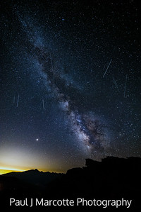 Mars and 8 Meteors