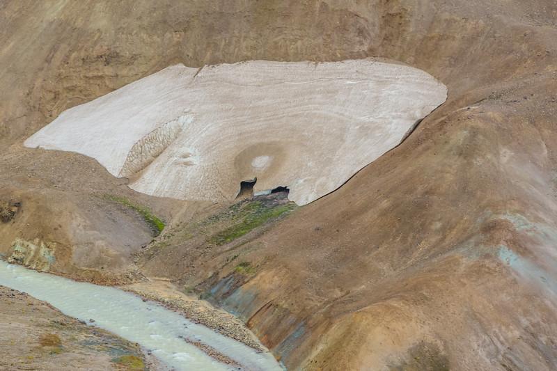 ICELAND-Kerlingarfjöll-Ice caves