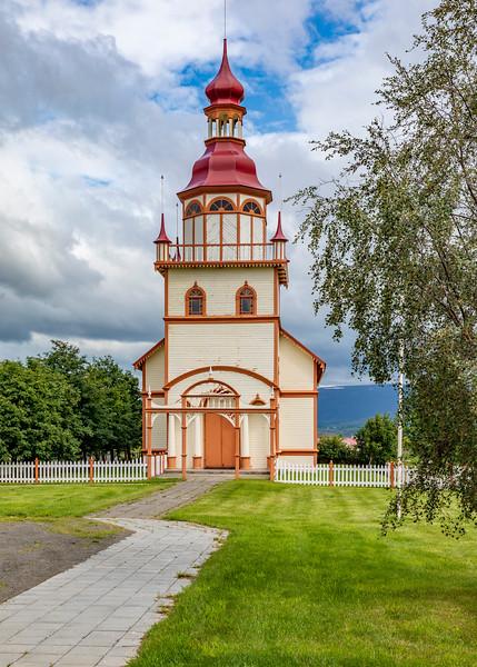 Iceland-Akureyri-Grundarkirkja