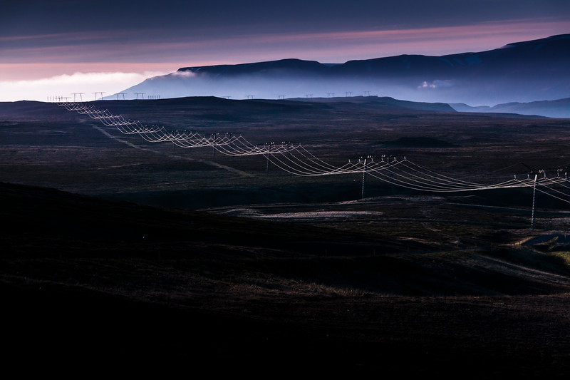 Iceland-Highland Route 35-Power lines