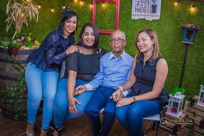 288. Massiel Montes y familia