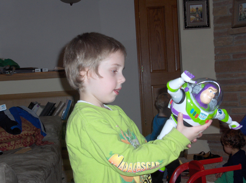 Gavin opening birthday presents