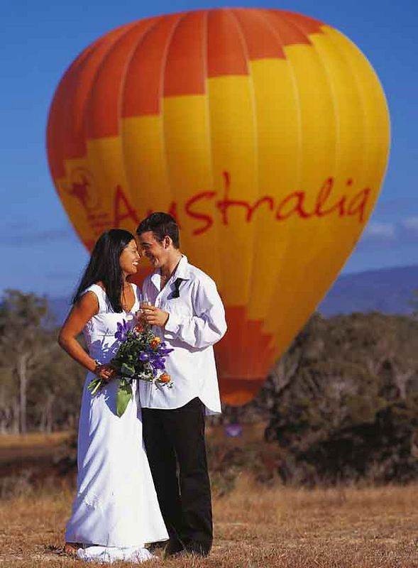Ballooning with Hot Air - Cairns - Wedding couple copy