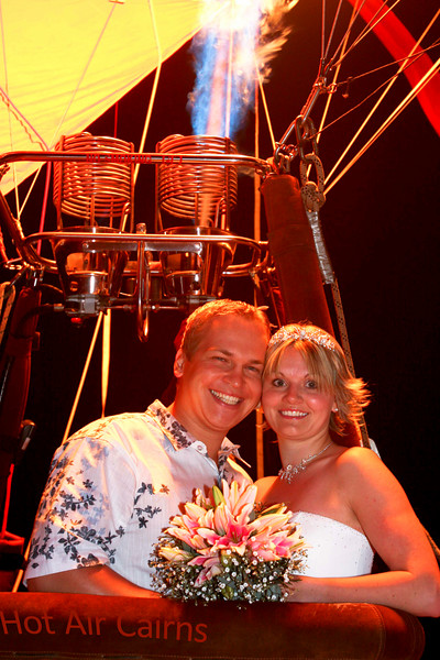 Fiona & Peter Married Friday ballooning with Hot Air Cairns