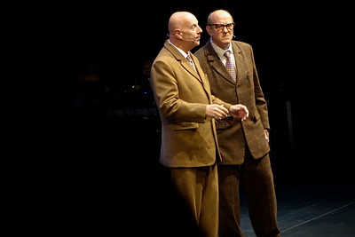 Nederland, Amsterdam, Schouwburg, Premiere van  de opera 'The Naked Shitsongs' geinspreerd op het interview van Theo van Gogh in 1996 met  het kunstenaarsduo Gilbert en George. Hoofdrolspelers: Xander van Vledder als Theo van Gogh en Nigel Robson en Christopher Robson als Gilbert en George.  Premiere of the opera 'The Naked Shitsongs' inspired by Theo van Gogh's interview in 1996 with the artist duo Gilbert and George. Chief actors: Xander van Vledder as Theo van Gogh and Nigel Robson and Christopher Robson as Gilbert and George. regie Marijn Jongewaard. Componist Huba de Graaff, 22 juni 2017, foto: Katrien Mulder