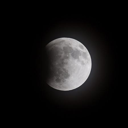 Cloudy lunar eclipse, April 14-15, 2014