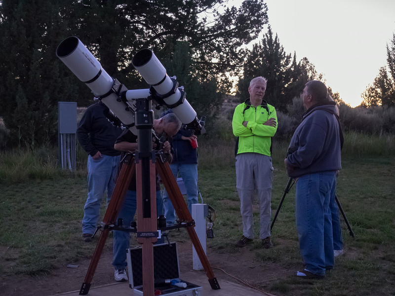 Vic preparing the 160 for viewing Saturn.