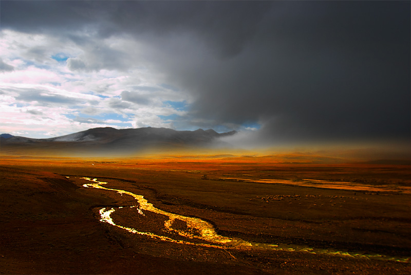 The storm moves in, Tibet