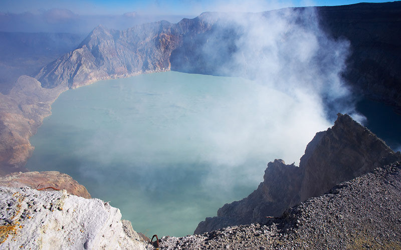The view from the highest point of the crater rim.  It looked none to stable, so I took a photo and quickly retreated.  A bath in the acid lake below would have been a nasty way to go.