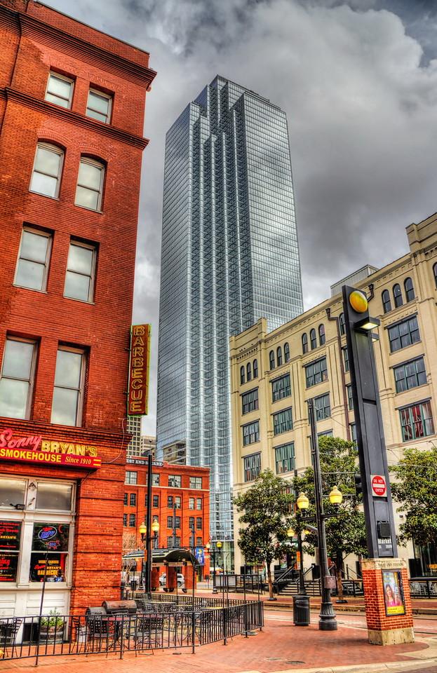 Dallas, West End