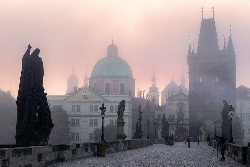 Dawn at Charles Bridge_Prague