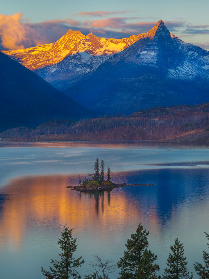 Glacier NP, Sunrise at Wild Goose Island, Highline Trail, Waterton Lake Park Canada.  Aspen