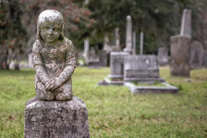 Little girl on headstone, Magnolia Cemetery