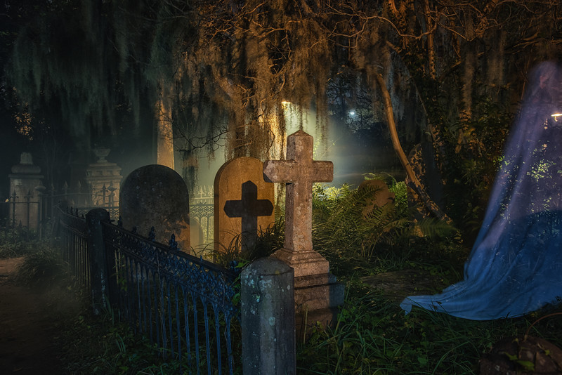 Unitarian Church cemetery at night
