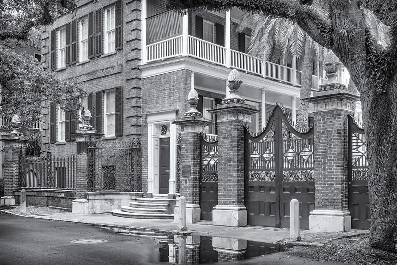 Pineapple Gate, Legare Street