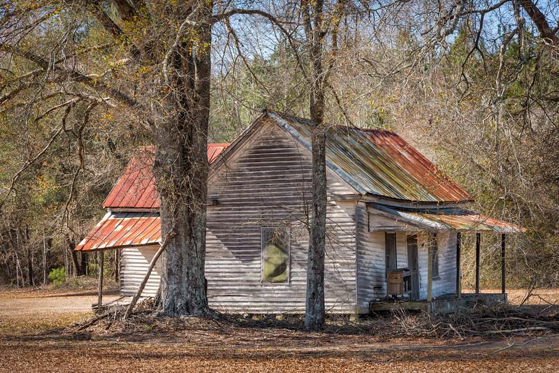 Abandoned cottage, Pee Dee Highway