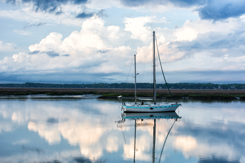 Sail boat moored in the Beaufort River