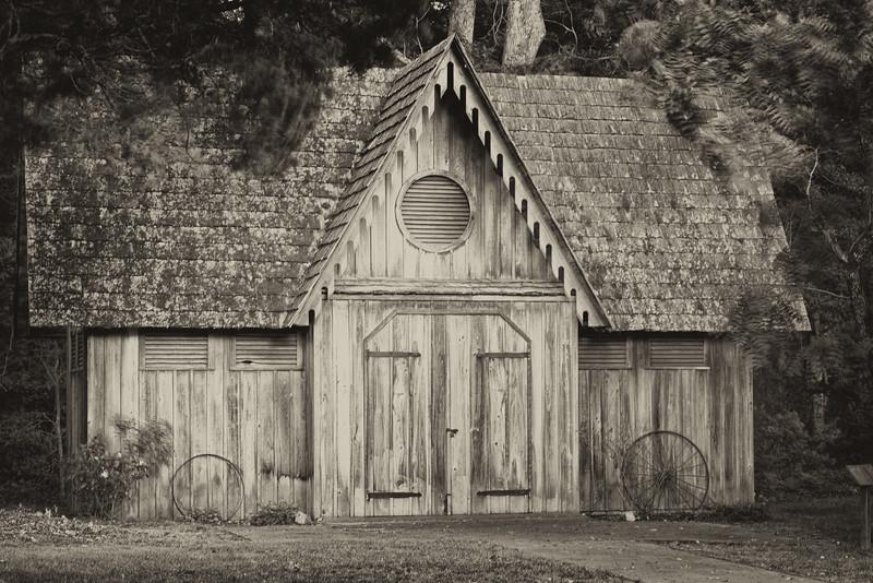 Carriage House, Woodburn Plantation (sepia)