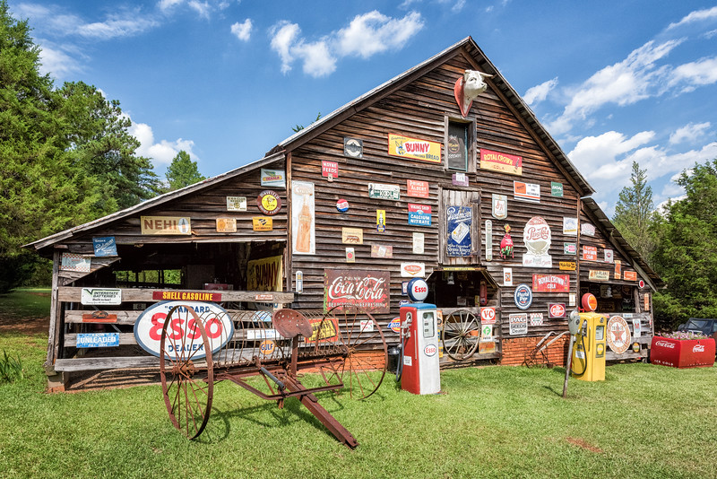 """The """"Sign Barn"""", Pickens, SC"""