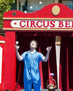 circus-juggler-3