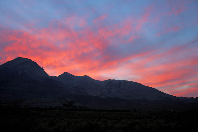 """And to complete my second day in the Owens Valley, there was this sunset. No wonder the late, great landscape photographer Galen Rowell and his wife Barbara decided to make Bishop their home after travelling through some of the world's most exotic and picturesque scenery. Their gallery, Mountain Light   <a href=""""http://www.mountainlight.com"""">http://www.mountainlight.com</a> ) is located in downtown Bishop."""