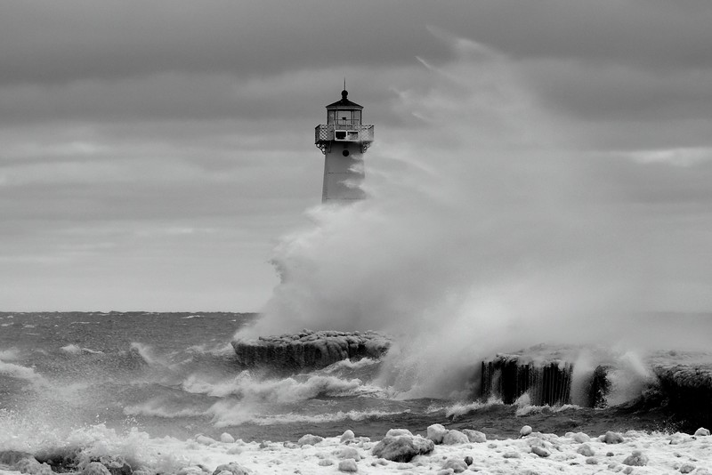 Sodus Point lighthouse storm 021317 3_DSC2730