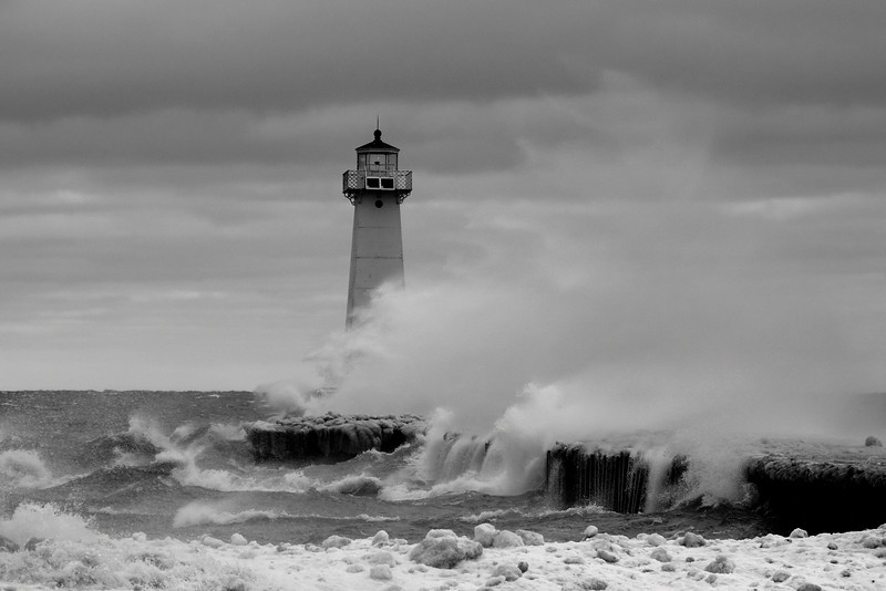 Sodus Point lighthouse storm 021317 4 _DSC2731