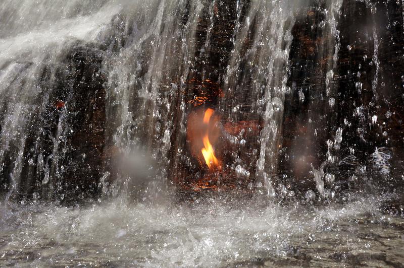 Eternal Flame Falls 111611 37-tried flash DSC_0989