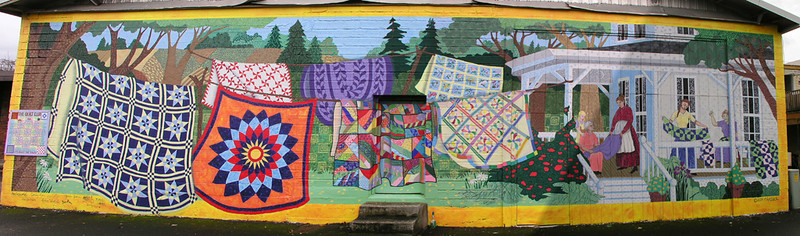 The back of a quilt store in Clackamas Oregon.
