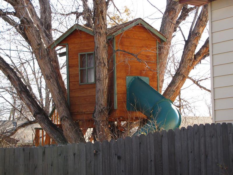 This cute little house is near our cute big house. Northglenn Colorado.