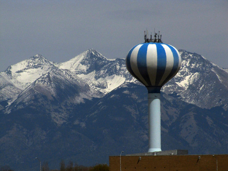 We are in Alamosa, nearest larger town to the dunes. One of two water towers in town, this is the pretty and high-tech one.