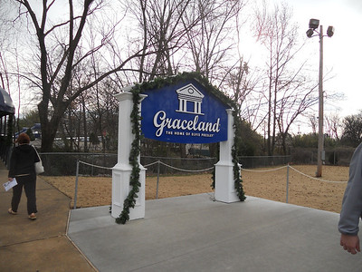 Ron and Jude Finally get to Graceland!