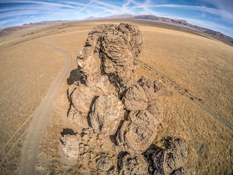 058 Limestone tufa towers, Winnemucca Lake