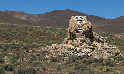 112 Snoopy face painted on a limestone tufa tower, Winnemucca Lake
