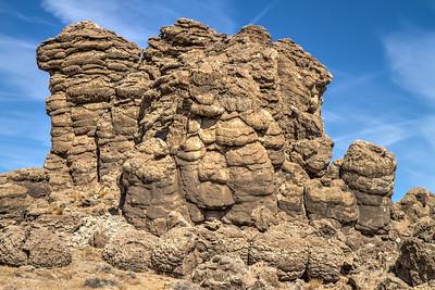 070 Limestone tufa towers, Winnemucca Lake
