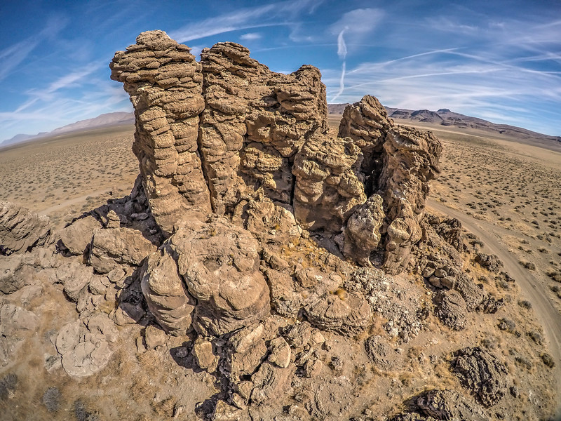 068 Limestone tufa towers, Winnemucca Lake