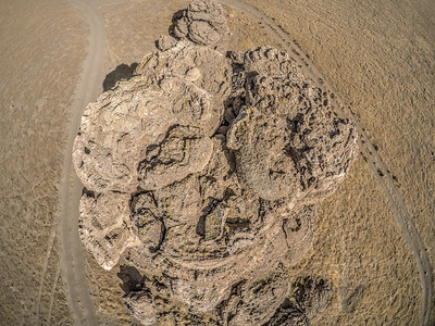 056 Limestone tufa towers, Winnemucca Lake