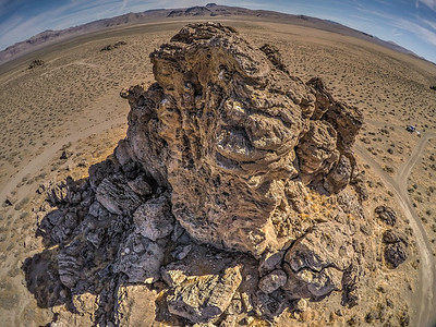 067 Limestone tufa towers, Winnemucca Lake