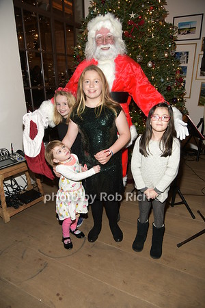 Santa and children photo by Rob Rich/SocietyAllure.com ©2018 robrich101@gmail.com 516-676-3939