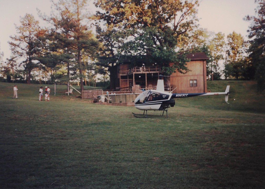 Jim IV visits the McKenzie TN Lacey family (Jim and Mary were there) with a Robinson R3 helicopter he was ferrying from CA to MA. Because the local radio station tower landmark had been taken down, Jim had to search for the Lacey house.