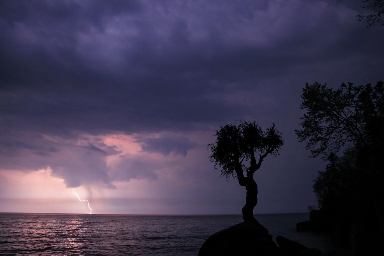 "LIGHTNING 0627<br /> <br /> ""Thunderstruck"""